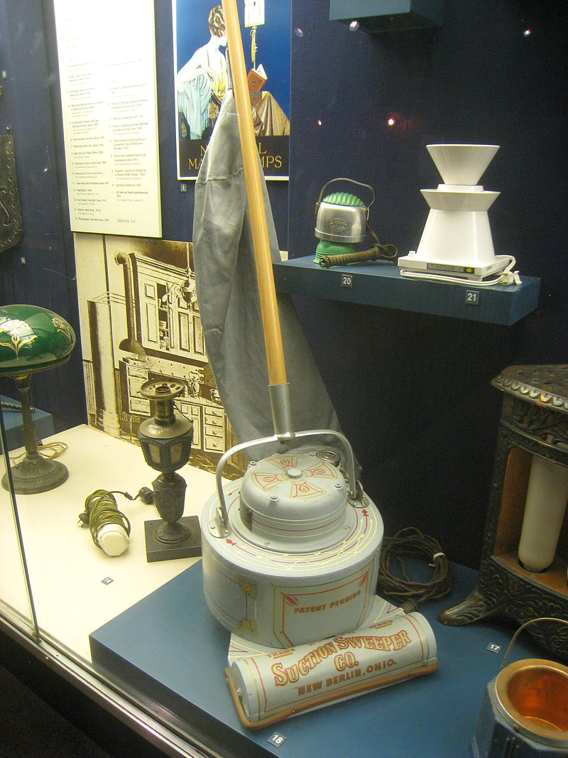 Early electric vacuum cleaner from 1908.